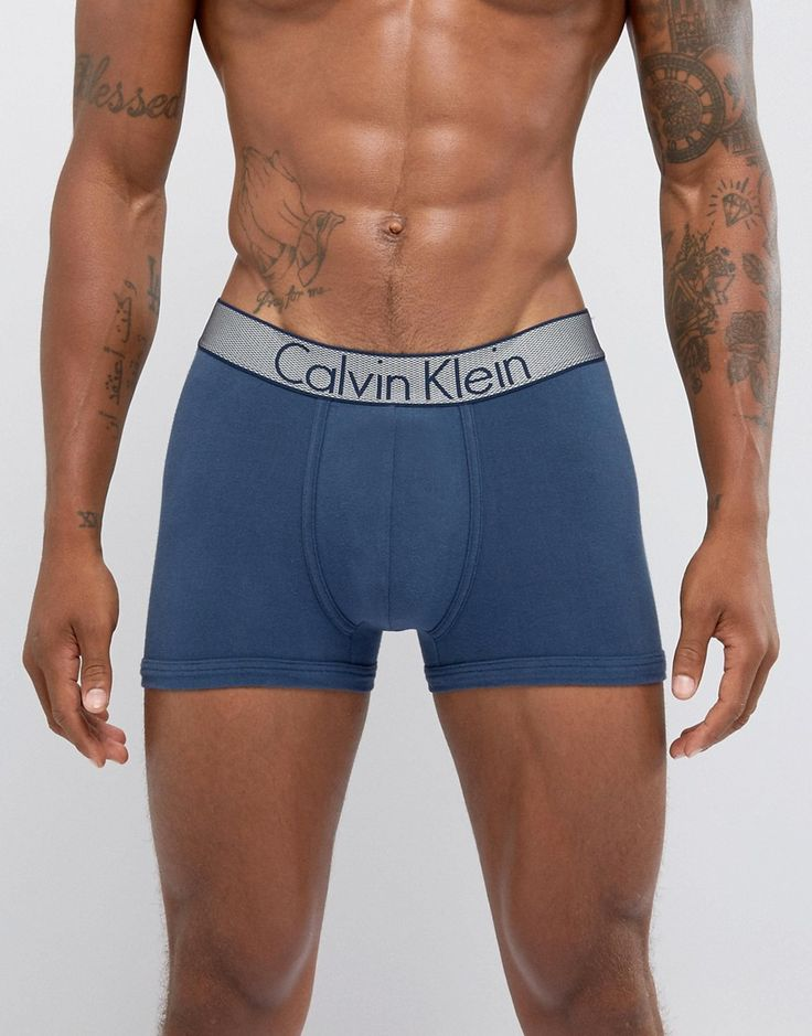 Get this Calvin Klein's basic underpants now! Click for more details. Worldwide shipping. Calvin Klein Trunks in Navy - Navy: Trunks by Calvin Klein, Stretch jersey, Branded waistband, Form-fitting design, Machine wash, 90% Cotton, 10% Elastane. With a rich company history spanning back to 1968, Calvin Klein originally started life as a coat store in New York City. The now iconic label, famed for their minimalist approach, offers up covetable diffusion lines CK by Calvin Klein and Calvin…