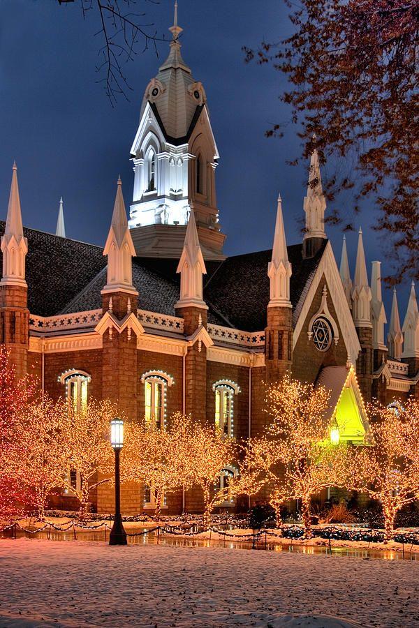 Christmas at Temple Square, Salt Lake City, UT - ©Douglas Pulsipher / Utah Images (FineArtAmerica)