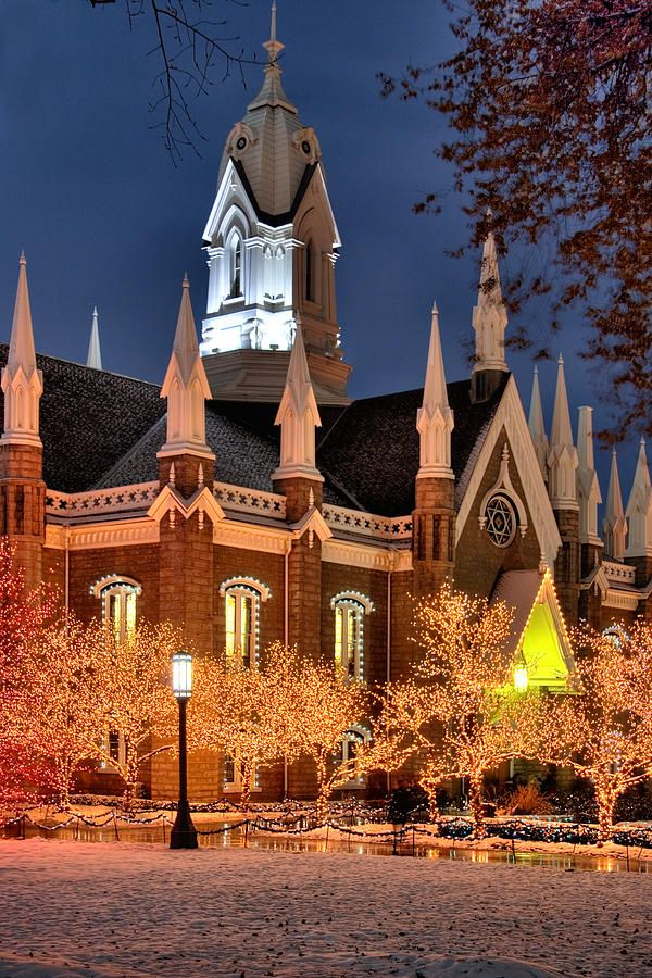 Christmas at Temple Square, Salt Lake City, UT - ©Douglas Pulsipher / Utah Images (FineArtAmerica)
