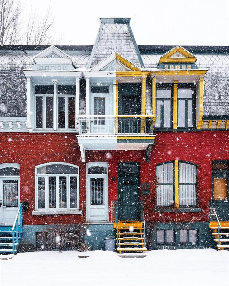 Montreal knows that it looks good under snow ❤️