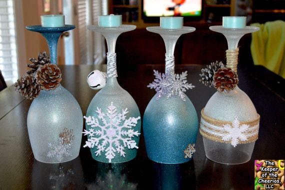 Winter Wonderland Wine Glasses Candle von TheKeeperofCheerios