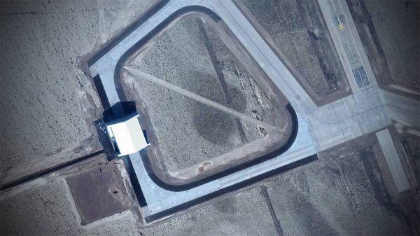La misteriosa área 51 presenta un nuevo gigantesco hangar - http://www.infouno.cl/la-misteriosa-area-51-presenta-un-nuevo-gigantesco-hangar/