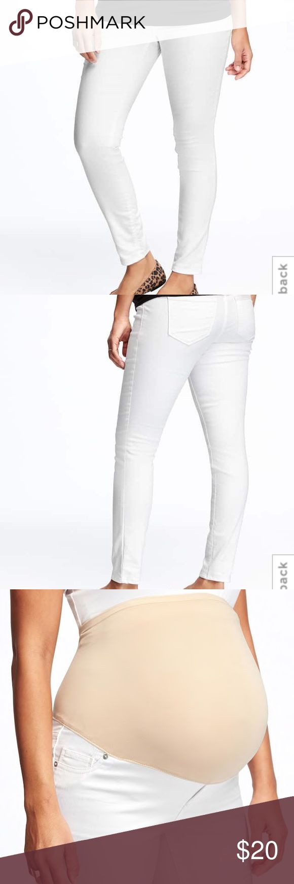 Old Navy Maternity White Skinny Jeans - Sz 10 Old Navy Maternity White Skinny Jeans - Size 10. These were purchased new this season & are not n excellent condition. Old Navy Jeans Skinny