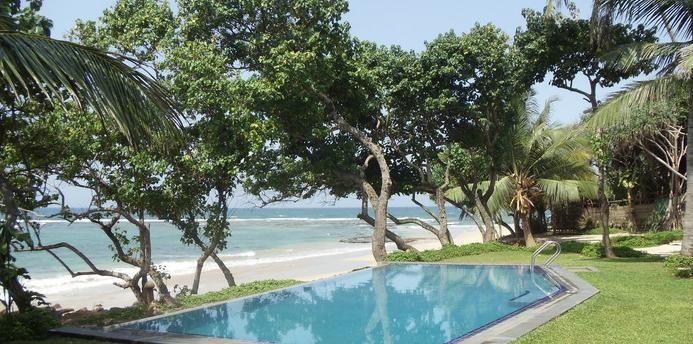Galle Sri Lanka – A Synopsis #srilanka #galle #srilankaholidays http://www.ozehols.com.au/blog/rest-of-the-world/galle-sri-lanka-a-synopsis/