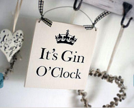 It's Gin O'Clock Sign van Husbabysleeping op Etsy