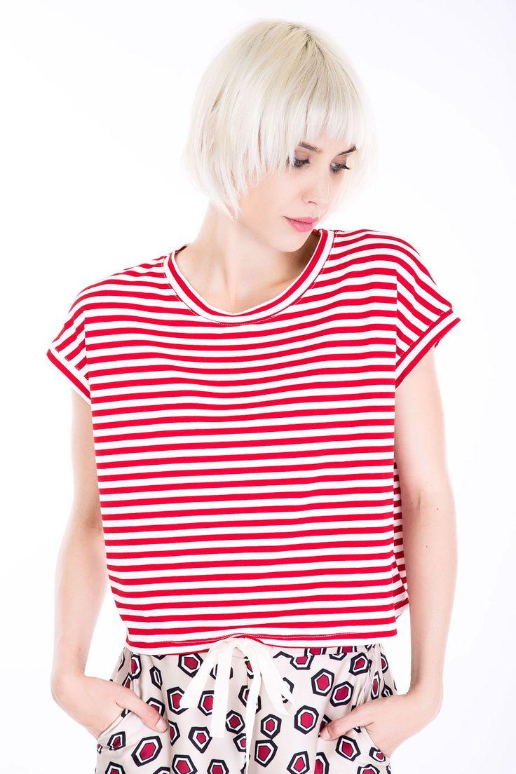VICOLO #top  #manzetti #mymanzetti #stripes #vicolo #croptop #prints #trendy #lookoftheday #ootd #fashion #clothing #store #woman #style #shopnow #shoponline #rome