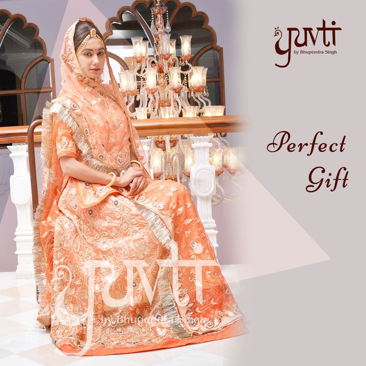 A perfecting gifting option! Tell us whom would you gift this? ‪#‎RajputiPoshak‬ ‪#‎DesignerCollection‬ ‪#‎IndianAttire‬ ‪#‎ElegantPoshak‬ ‪#‎Bespoke‬ ‪#‎WeddingAttire‬ ‪#‎PerfectGift‬ ‪#‎Yuvti‬