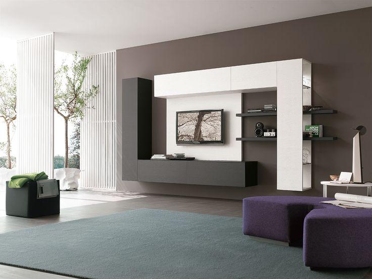 Parete attrezzata con #boiserie in legno per la televisione | gruppotomasella.it