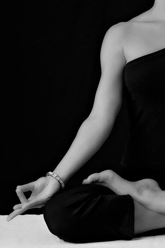 yoga meditation photography black and white - Поиск в Google