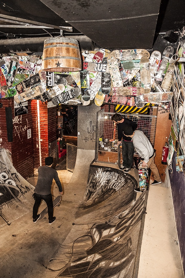Nevermind, mítico bar de la cultura skate de Barcelona