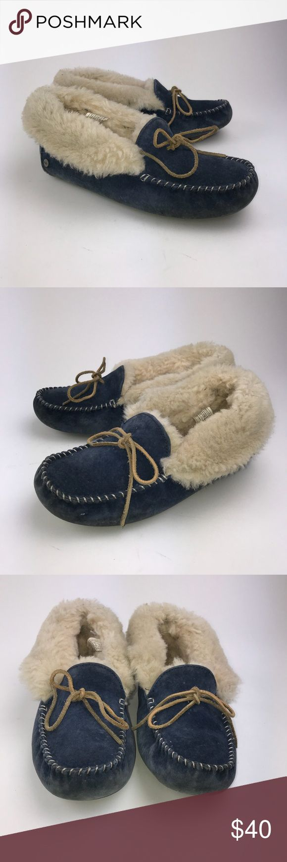 UGG Women's Blue Alena Fold down Slippers Size 8 UGG Australia  Women's Alena Fold down Slippers Blue Size 8 Pre-owned  *Any defects or signs of wear are shown in images   PM340 UGG Shoes
