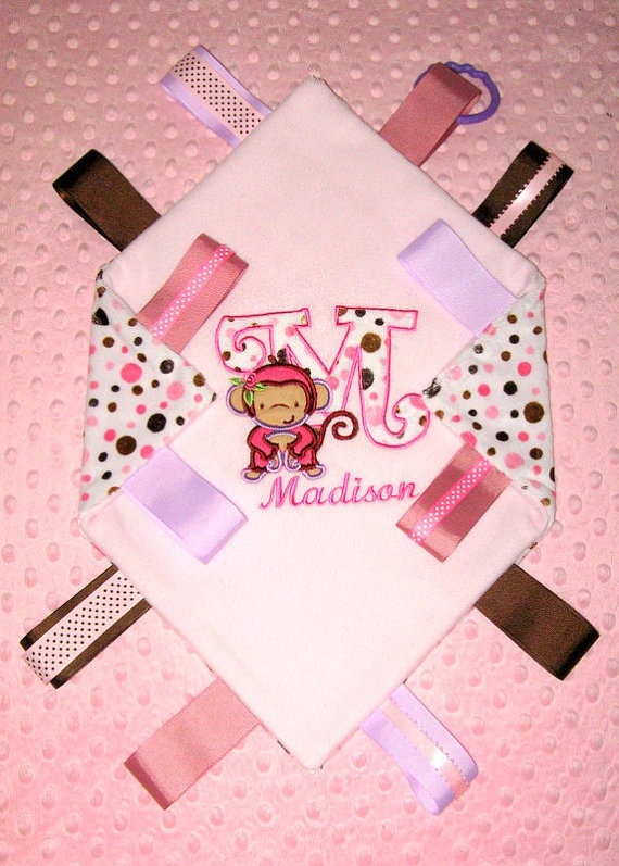 how to make a baby blanket with ribbon tags