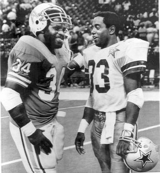 Earl Campbell and Tony Dorsett 2 TEXAS Legends in Football OILERS #2 COWBOYS #1