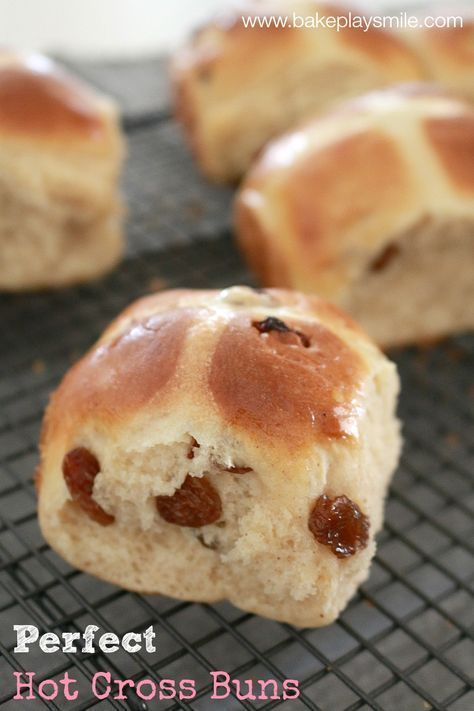 Perfect Thermomix Hot Cross Buns | Bake Play Smile