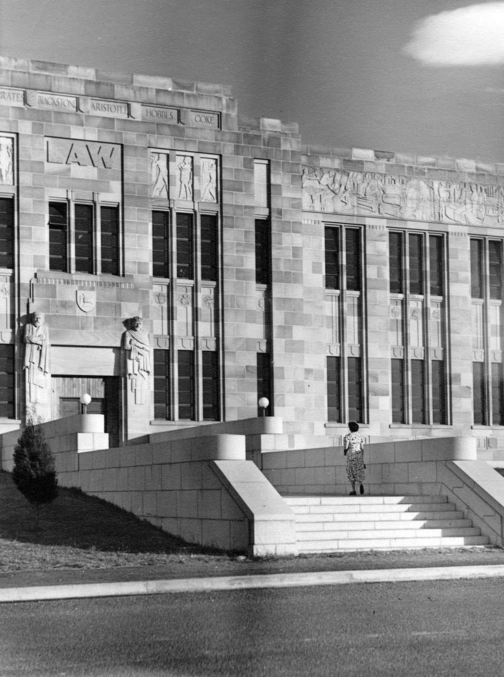 The entrance to the Law School in 1950.