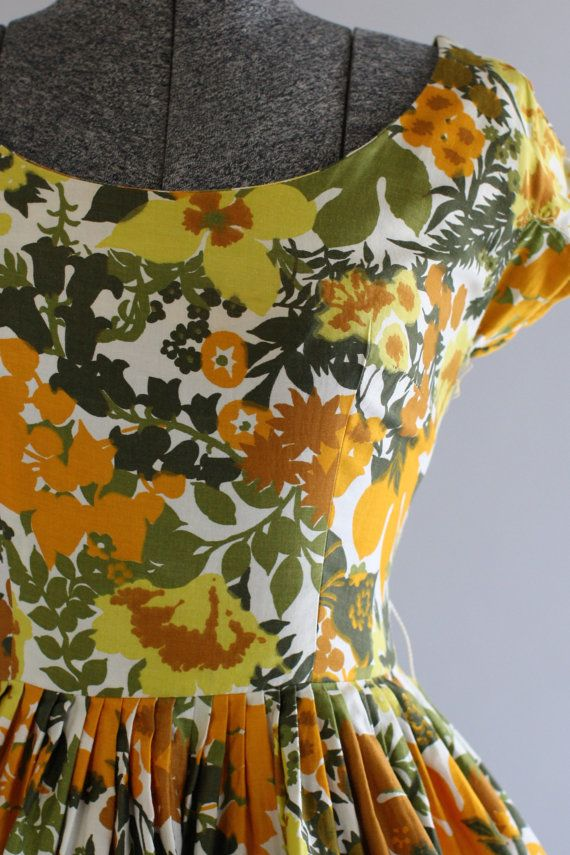 Vintage 1950s Dress / 50s Cotton Dress / Orange and Green Floral Print Sun Dress S