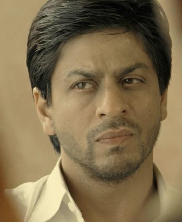 "[HQ Caps] Shah Rukh Khan [ @Olivia Gulino SRK ] in film ""ChakDe! India"" (2007) #SRK #KingKhan pic.twitter.com/lBHMfWDXNH"
