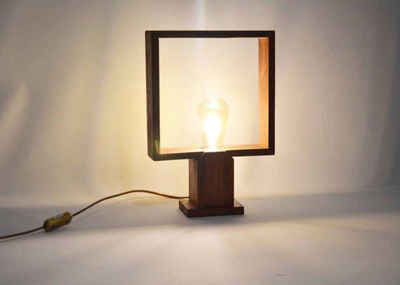 Lampe de table design au design minimaliste bois tropical