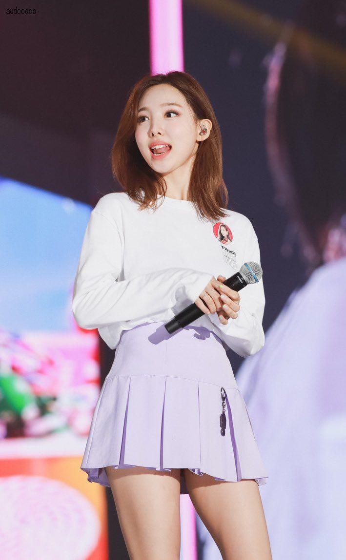 Audoodoo On Twitter Nayeon Kpop Girls Fashion