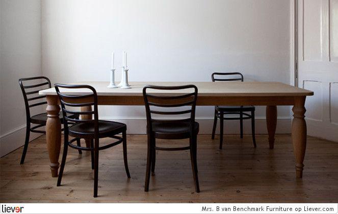 Benchmark Furniture Mrs. B - Benchmark Furniture tafels - foto's & verkoopadressen op Liever interieur