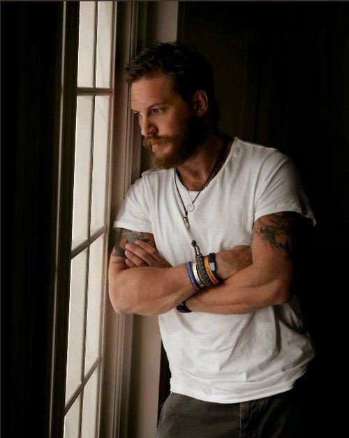 Tom Hardy oh yes I am starting to believe I am in love with you!!