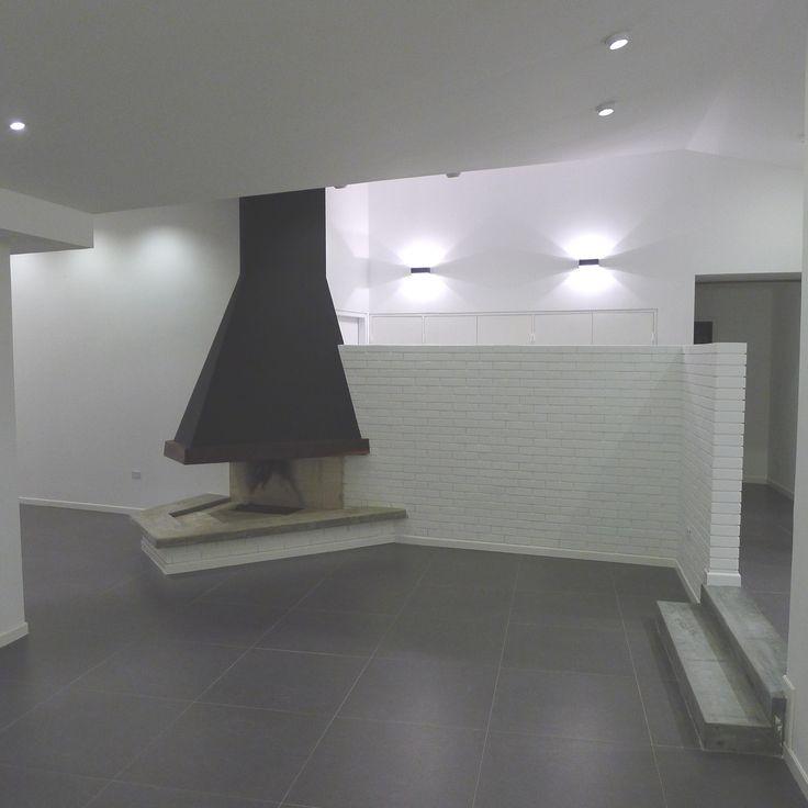 Juego de luz, minimalismo y buen gusto para un acabado profesional con espacio.