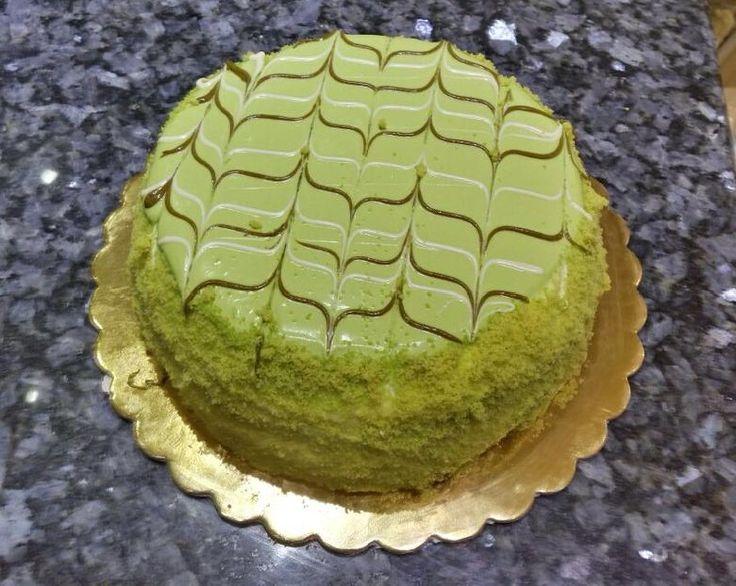 Ecco la ricetta originale della Torta Pistacchiotta della pasticceria Oscar di Palermo, una bontà di pistacchio e ricotta, una delizia da provare