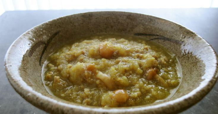 あっさりしてて胃もたれしない野菜たっぷりスープです♪ なめこが入ることでトロミと食べごたえが出ます☆