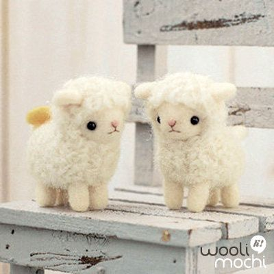 Sheep Friends Needle Felting Kit van WooliMochi op Etsy, $19,00