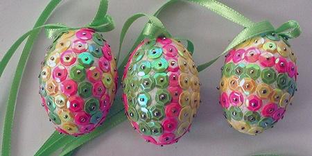 Uova di Pasqua con paillette da www.kigaportal.com