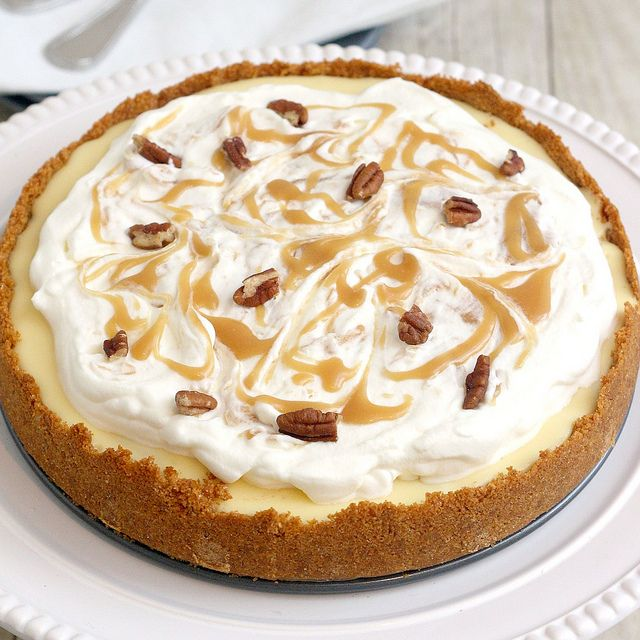 Yummy: Caramelappl, Apple Cheesecake, Apples Cheesecake, Pies Recipes, Pie Recipes, Thanksgiving Desserts, Pecans Cheesecake, Caramel Apples, Cheesecake Pies