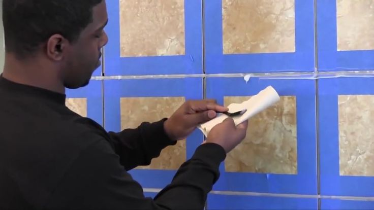 See how to apply stone and tile sealant to create a waterproof surface in bathrooms.
