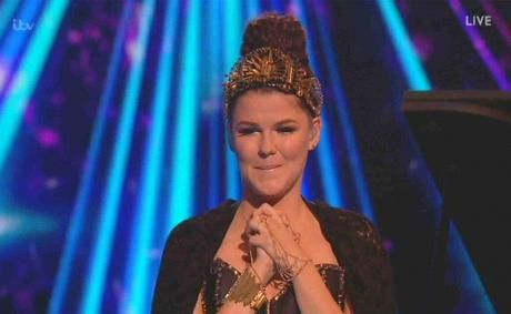 Saara Aalto hurmasi Abban Winner Takes it all -hitillä X-Factorissa.