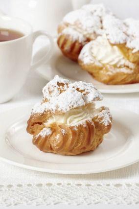 """750g vous propose la recette """"Choux à la crème"""" 100% fiable, testée et approuvée par les internautes et chefs de 750g !"""