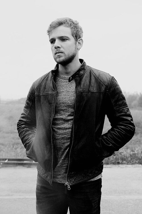 Max Thieriot as Dylan Massett in #BatesMotel...love him so much! So glad he's back for Bates Motel Season 4 and 5 :)