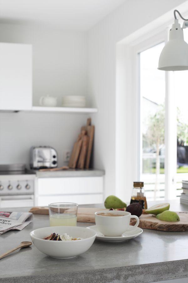 300715_1 Kitchen, ideas, diy, house, indoor, organization, home, design, cook, shelving, backsplash, oven, desk, decorating, bar, storage, table, interior, modern, life hack.