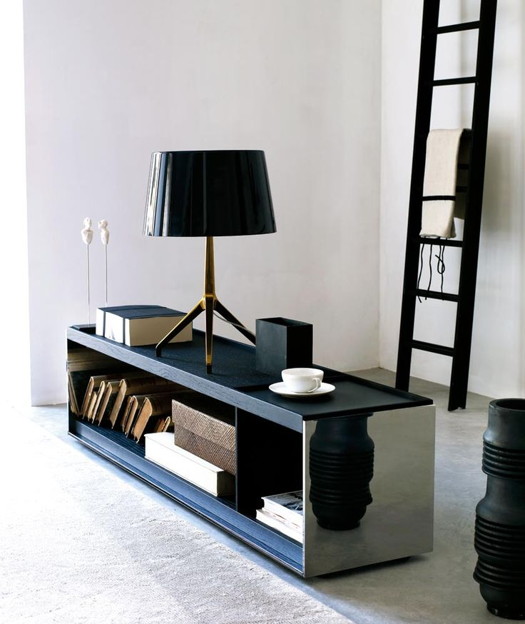 Small Table: SURFACE - Collection: B Italia - Design: Vincent Van Duysen