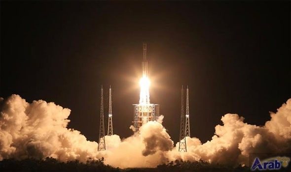 SpaceX's Falcon 9 Rocket Makes First Launch…