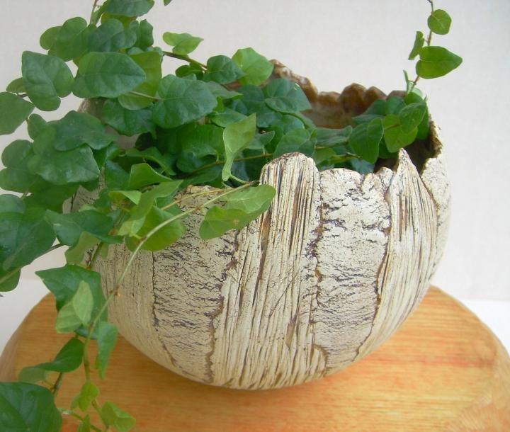 ezebee.com - Kugeliger Übertopf aus Keramik by Beck-Keramik