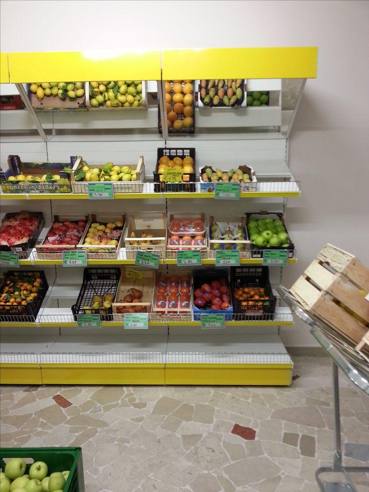 Oltre 25 fantastiche idee su bancarelle di frutta su for Piani di costruzione di stand del ristorante