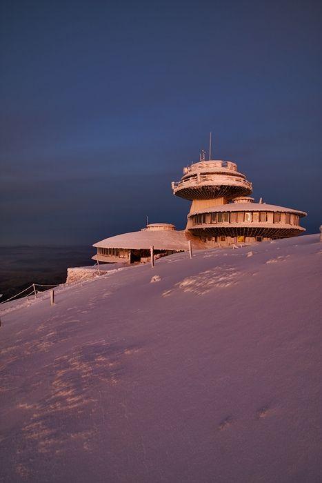 Winter on Mt. Śnieżka - Karkonosze Mountains, Poland #Poland #Karkonosze #Sniezka