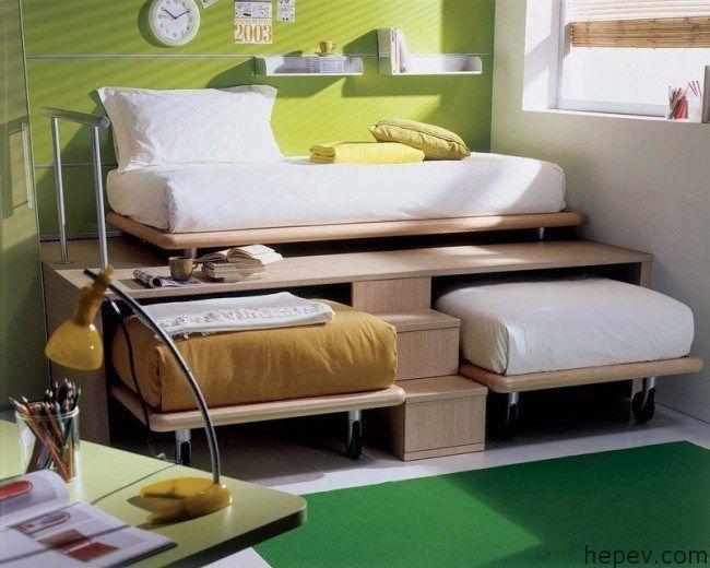 Yatak odasını daha geniş hale getirmek mümkün mü? Özellikle çocuk odalarında en büyük şikayet çocukların oyun alanlarının kısıtlı olmasıdır. Vereceğimiz fi