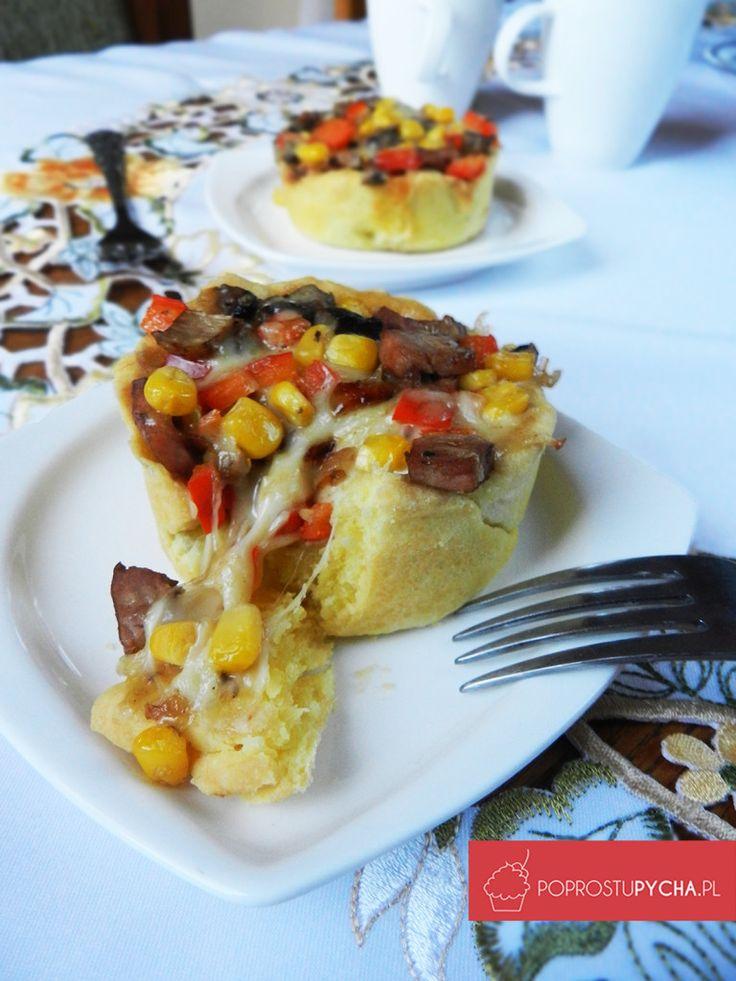 Nie masz pomysłu na przekąskę sylwestrową? :) Polecam mini tarty na słono z ciągnącą się mozzarellą! :)