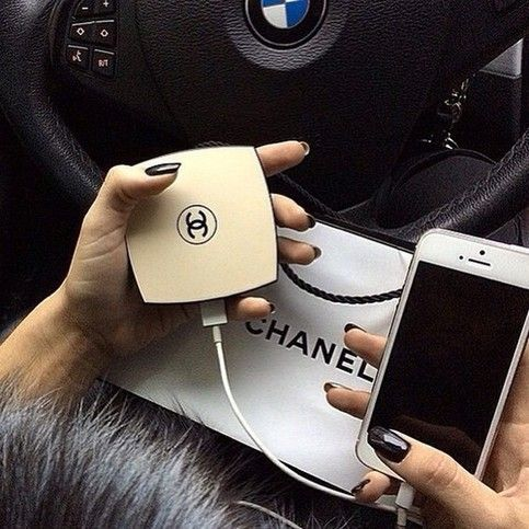 A Chanel inspired portable charger! This charger opens up and exposes a mirror on the inside. @jyrbrn