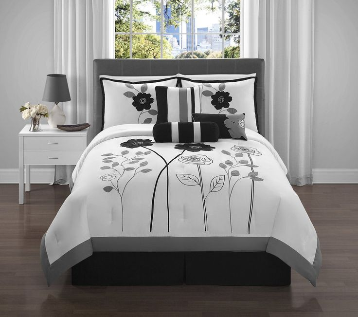 Amazon.com: VCNY Adrienne 7-Piece Comforter Set, King, Black: Home & Kitchen