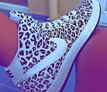 Cheetah high top nikes ? Just tell me a price , i mustt have them <3