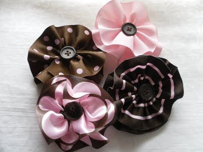 ribbon flower tutorial http://sweetmagnoliaway.blogspot.com/ crafts, diy, ribbon flowers, fabric flowers