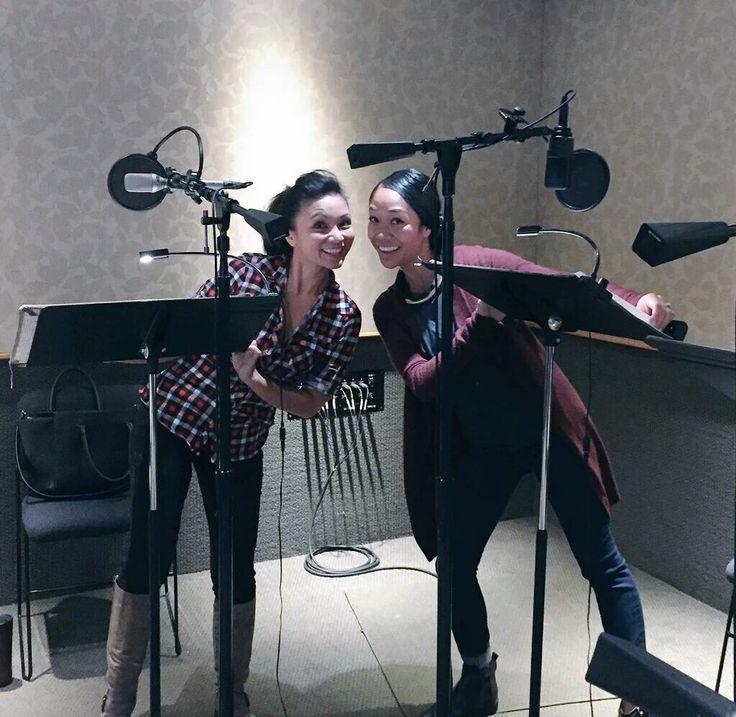 Jennifer Paz (Lazurite) and Shelby Rabara (Peridot) - photo