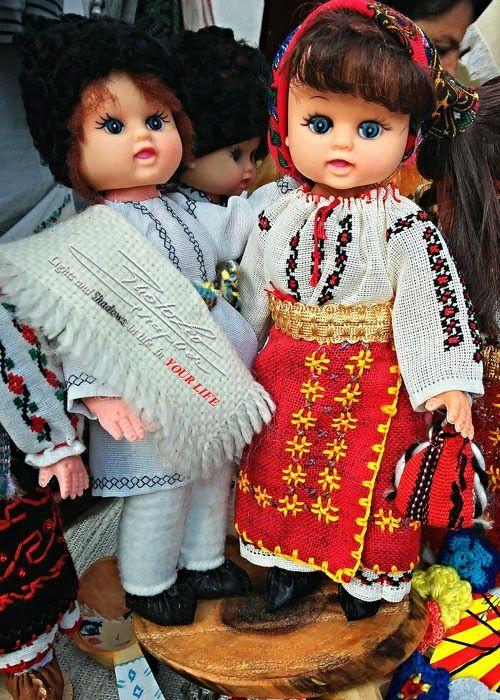 Traditional Romanian Folk Costumes     by   http://PhotoLeoGrapher.blogspot.com