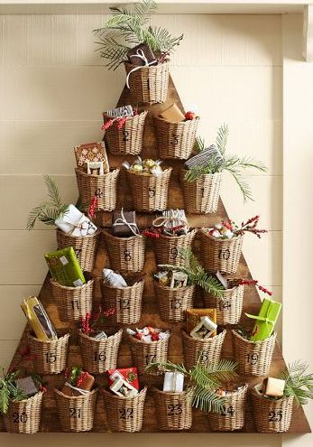 Tree advent calendar Christmas with baskets. This would be cool,